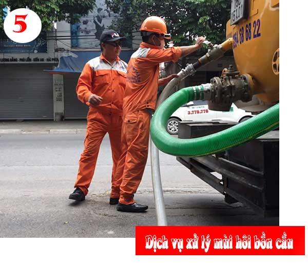 5. Gọi dịch vụ khử mùi hôi bồn cầu chuyên nghiệp